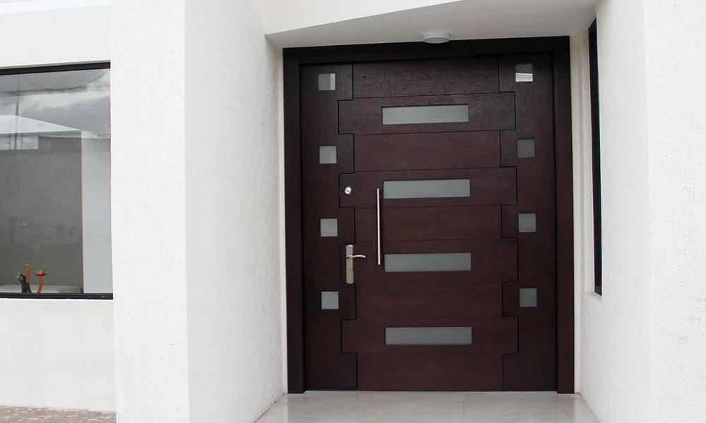 Los Materiales Perfectos para tus Puertas Principales